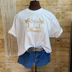 🌸Vintage Embroidered Hawaii Tourist Tee🌼